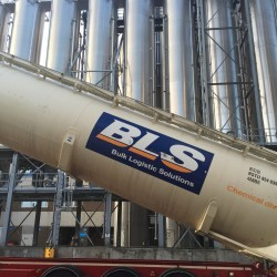Dry bulk silo containers